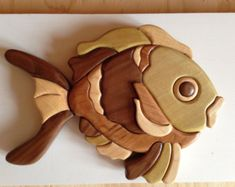 Screech Owl Intarsia Wall Hanging Wood Carving by EntwoodCrafts Woodworking Projects That Sell, Woodworking Crafts, Intarsia Wood Patterns, Whittling Wood, Wood Mosaic, Stained Glass Flowers, Intarsia Woodworking, Wood Creations, Wooden Wall Art