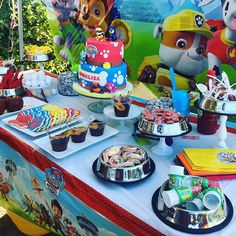 Today we're going to share with you who runs a candy table for a children's party.If you are planning to celebrate your child's birthday soon, take into 3 Year Old Birthday Party Boy, Birthday Party Tables, 4th Birthday Parties, Birthday Party Decorations, 2nd Birthday, Birthday Ideas, Bolo Do Paw Patrol, Paw Patrol Cake, Paw Patrol Party