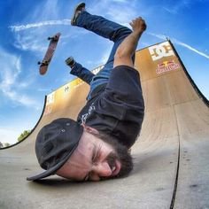 20 Perfectly Timed Photos That will make you Chuckle – BemeThat Skate Photos, Skateboard Pictures, Perfectly Timed Photos, Anatomy Poses, Skate Art, Skate Style, Dynamic Poses, Longboarding, Action Poses