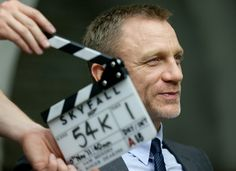 007 #skyfall este es el sitio oficial de la película http://www.Skyfall-Movie.com