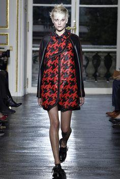 Balenciaga Spring 2011 Ready-to-Wear Fashion Show - Milou van Groesen (A MODELS AMSTERDAM)