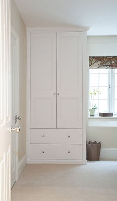 Bespoke fitted wardrobes and cupboards Alcove Wardrobe, Bedroom Built In Wardrobe, Bedroom Built Ins, Fitted Bedroom Furniture, Small Bedroom Storage, Fitted Bedrooms, Bedroom Closet Design, Wardrobe Design, Wardrobes For Small Bedrooms