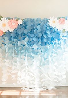 The Original Paper Circle Garland Backdrop: Blue Ombre - ***This backdrop does NOT include the paper flower pieces.** This gorgeous blue ombre paper garland - Circle Garland, Diy And Crafts, Paper Crafts, Backdrop Stand, Backdrop Lights, Backdrop Ideas, Cheap Backdrop, Backdrop Frame, Backdrop Decor