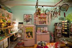 Plan a visit to Lavender & Lace Tea Room in Lake Alfred, Florida. Then, be sure to stop in at the gift shop! #Polk - Central Florida