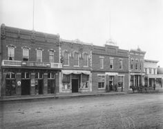 Main street, Bozeman taken in 1890. Do these buildings look familiar to any locals? #Bozeman #montana