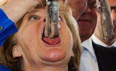 A estranha fotografia de Angela #Merkel que se tornou viral