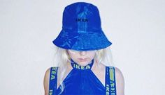 Quand la mode s'empare du célèbre sac bleu d'Ikea