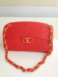 Chanel Purse Cake (Red + Gold)