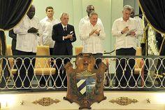 Raúl Castro asiste a la reapertura del emblemático coliseo