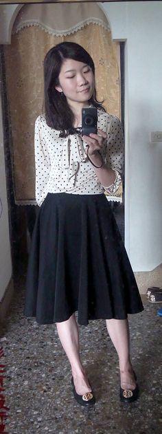polka dots chiffon blouse + black flare midi skirt + black flats with gold medal/black ballet flats. classic look.