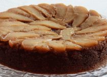 A delicious pear upside down gingerbread cake made with whole wheat and served with a buttery caramel sauce. Pear Upside Down Cake, Cake Platter, Pear Cake, Baking Basics, Gingerbread Cake, Round Cake Pans, Dessert Recipes, Desserts, Yummy Cookies