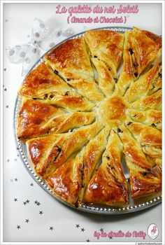 Galette du roi Soleil Amande et Chocolat Phyllo Recipes, Vegan Recipes, Cooking Recipes, Recetas Pasta Filo, Chefs, Vegan Junk Food, Sweet Cakes, Desert Recipes, Sweet Recipes