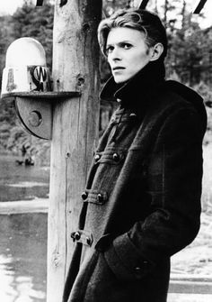 "on the set of ""The Man Who Fell to Earth"". David Bowie: one of my style icons. He's not just a man that makes music, he's a lifestyle choice. Angela Bowie, Elvis Presley, Duncan Jones, Mississippi, Stoner Rock, The Thin White Duke, Black White, Major Tom, New Wave"