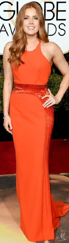 2016 Golden Globes Red Carpet Arrivals | Amy Adams in Atelier Versace