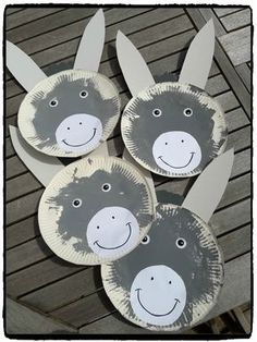 Anes en assiettes en carton (l'âne Trotro) – Mes humeurs créatives by Flo Farm Animal Crafts, Farm Crafts, Zoo Animals For Kids, Farm Animals, Kids Zoo, Craft Activities, Preschool Crafts, Crafts For Kids, Paper Plate Crafts