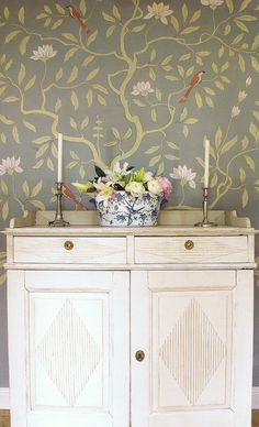 like the wallpaper to paint myself wall mural thoughts, Swedish Country Interiors Eleish & Van Breems Swedish Style, Swedish Design, European Style, Swedish Interiors, Country Interiors, Vibeke Design, Shabby, Hand Painted Walls, French Interior