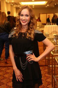Z Kristíny je už vydatá pani. Leather Skirt, Sequin Skirt, Sequins, Retro, Celebrities, Skirts, Wall, Fashion, Moda
