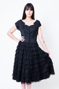 Christina 50s Gothic Full Skirt Party Dress w Tiered Lace Ruffles S - M Robe  Noire 593e70bd4dda