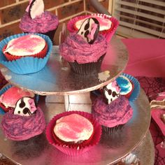 More cupcakes