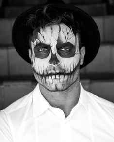 Products Used are Chromacake face paints, eyeshadows for shading and detail, and jumbo pencil in black and white! ✌️ thanks for all the love, you guys are amazing! Gay Halloween Costumes, Halloween Skeleton Makeup, Halloween Men, Halloween Makeup Looks, Halloween Skeletons, Clown Face Makeup, Male Makeup, Scary Makeup, Makeup Man