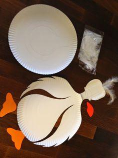 Szemem Tükrében: Márton napi liba... Holiday Crafts, Fun Crafts, Paper Crafts, Decorative Plates, Jar, Tableware, Certificate, Home Decor, School