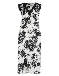 Buy the Floral Satin Long Nightdress from Marks and Spencer's range. Lingerie Sets, Dresses For Work, Formal Dresses, Satin, Floral, Collection, Fashion, House, Moda