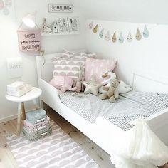kids room.. Twin Girl Bedrooms, Girls Bedroom, Toddler Rooms, Toddler Bed, Kids Bedside Table, Cool Kids Rooms, Room Kids, Baby Room Design, Little Girl Rooms