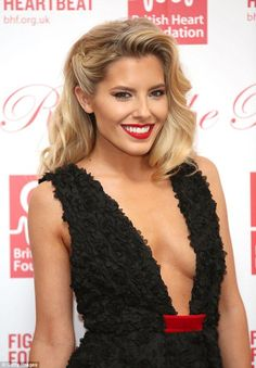 Old school glamour: Mollie harked back to the golden days of Hollywood with her hair and make-up, opting for soft golden waves and a red lip Ball Hairstyles, Down Hairstyles, One Side Hairstyles, Old School Hairstyles, Old Hollywood Hair, Hollywood Curls, Hollywood Glamour Makeup, Hollywood Glamour Wedding, Christmas Party Hairstyles