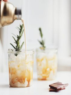 Salted Caramel White Russians / Kate La Vie / Food styling / Food photography in Party Drinks, Cocktail Drinks, Cocktail Recipes, Alcoholic Drinks, Beverages, Cocktail Ideas, Holiday Cocktails, Christmas Mocktails, Bartender Drinks