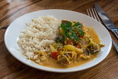 Nutrisystem provides a delicious recipe for healthy Ground Turkey and Veggie Curry served over a bed of brown rice.