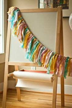 How do I create a fabric banner with scrap fabric?{DIY} Vintage Scrap Fabric and Twine Holiday GarlandMaking a beautiful heart garland using piece fabricHeart garland from scrapLinger in joy: {Scrap Fabric} Easter Egg GarlandLinger in Diy Pompon, Decorating Your Home, Diy Home Decor, Room Decor, Diy Osterschmuck, Diy Girlande, Fabric Garland, Diy Easter Decorations, Fabric Strips