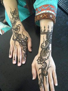 Get Karwa Chauth Mehndi Designs. Get Step by Step Henna (Mehandi Designs) for Karva Chauth that are Specially Designed to Impress Husband. Mehndi Designs 2014, Indian Henna Designs, Henna Designs Easy, Bridal Mehndi Designs, Mehandi Designs, Easy Henna, Heena Design, Simple Henna, Mehndi Tattoo