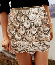 Scalloped gold pencil skirt