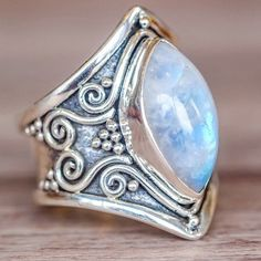 Fashionable Vintage Silver Big Stone Ring for Women. #jewelry #stonering