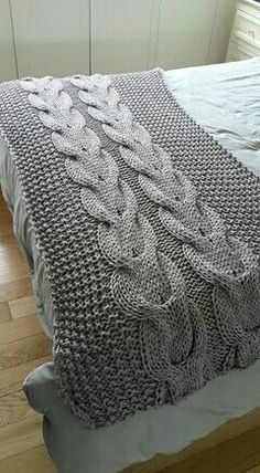 Arm Knitting, Knitting Stitches, Knitting Patterns, Crochet Patterns, Crochet Home, Knit Or Crochet, Knitting Projects, Crochet Projects, Cable Knit Blankets