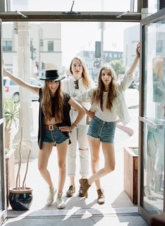 The Haim Sisters On Pinterest Haim Style Sisters And Band