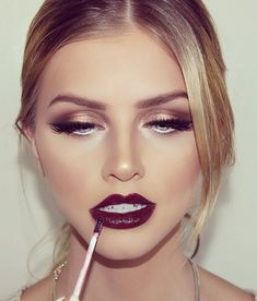 Dark lips maybe it is rarely used because of the dark color of her lipstick. Make up with dominant black color can be applied on the eye makeup and lipstick Gorgeous Makeup, Love Makeup, Makeup Inspo, Awesome Makeup, Makeup Tips, Makeup Geek, Perfect Makeup, Makeup For Burgundy Dress, Makeup Trends