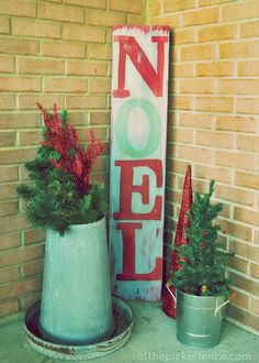Painted Noel sign - DIY for front porch
