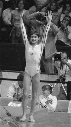 Gymnastics History, Sport Gymnastics, Olympic Gymnastics, Olympic Sports, Olympic Games, Nadia Comaneci 1976, Nadia Comaneci Perfect 10, Life In Usa, Romanian Girls