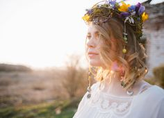 Wild flowers on the bride hair for Eco-friendly Natural,Boho Hippie Chic Wedding | fab mood
