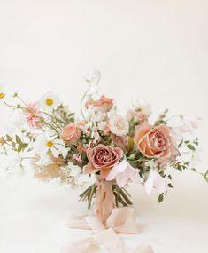 Flower Centrepieces, Floral Wedding, Wedding Flowers, Groomsmen Boutonniere, Flora Design, Bridesmaid Bouquet, Love Flowers, Dusty Rose, Wedding Designs
