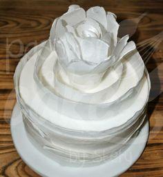 torta su dummy, decori in wafer paper