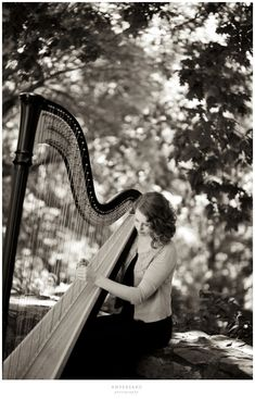 ♪♫ Music ♪♫ Black and white music Stephanie & her harp » Ampersand Photography