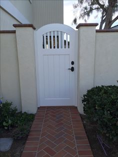 Garden Passages builds high quality Custom Wood Gates designed to enhance the look, feel and value of your home. Tor Design, House Gate Design, Side Gates, Outdoor Projects, Outdoor Decor, Garden Gates, Craftsman Style, Custom Wood, Cottage Style