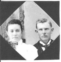Doc Scurlock and Maria Antonia Herrera--my grt uncle gen back); he was a founding mbr of the Regulators & rode w/ Billy the Kid, was a sheriff & an all around good/bad guy. Old West Photos, Billy The Kids, Young Guns, Man Photo, Unique Photo, Wild West, New Mexico, Family History, My Childhood