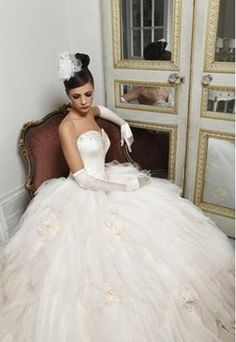 Stunning designer wedding dresses by Hollywood Dreams stocked by Carol Roberts Couture Bridal in Carlisle Cumbria. Designer Wedding Dresses, Wedding Gowns, Headpiece, Ball Gowns, Dream Wedding, Flower Girl Dresses, Hollywood, Formal Dresses, Couture Bridal