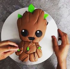 Baby Groot cake! This wonderful piece of art and a delicious looking cake. Where's the knife? I want a piece? #groot #babygroot #guardiansofthegalaxy #guardiansofthegalaxy2 #iamgroot #cake #delicious #yummy #tasty #bake #baking #food #passion #passiondig #marvel