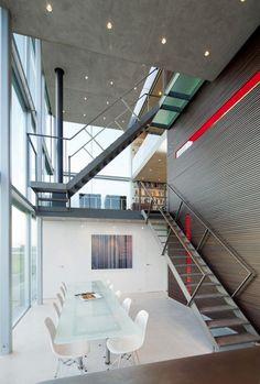 Modern Residence: Rieteiland House
