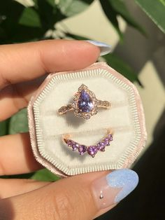 Vintage Inspired Engagement Rings, Antique Style Rings and Wedding Set Purple Sapphire, Sapphire Wedding, Wedding Sets, Wedding Band, Cute Jewelry, Jewelry Accessories, Diamond Ring Settings, Vintage Inspired Engagement Rings, Vintage Floral