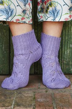 Novita wool socks, summer socks with a lace pattern made with Novita Cotton Bamboo #novitaknits #knitting #woollensocks #villasukat #handmadesocks #knit #sock #lace
